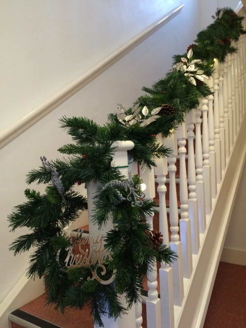 Go Cable Ties Blogger Christmas DIY Challenge: The StaircaseWreath